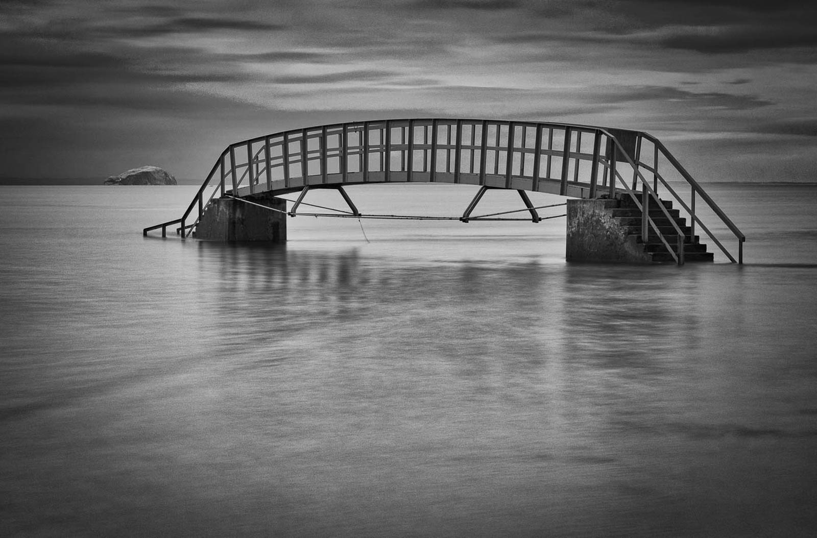 2ND BELHAVEN BRIDGE BY IAN CRAIG DIV 2 MONO