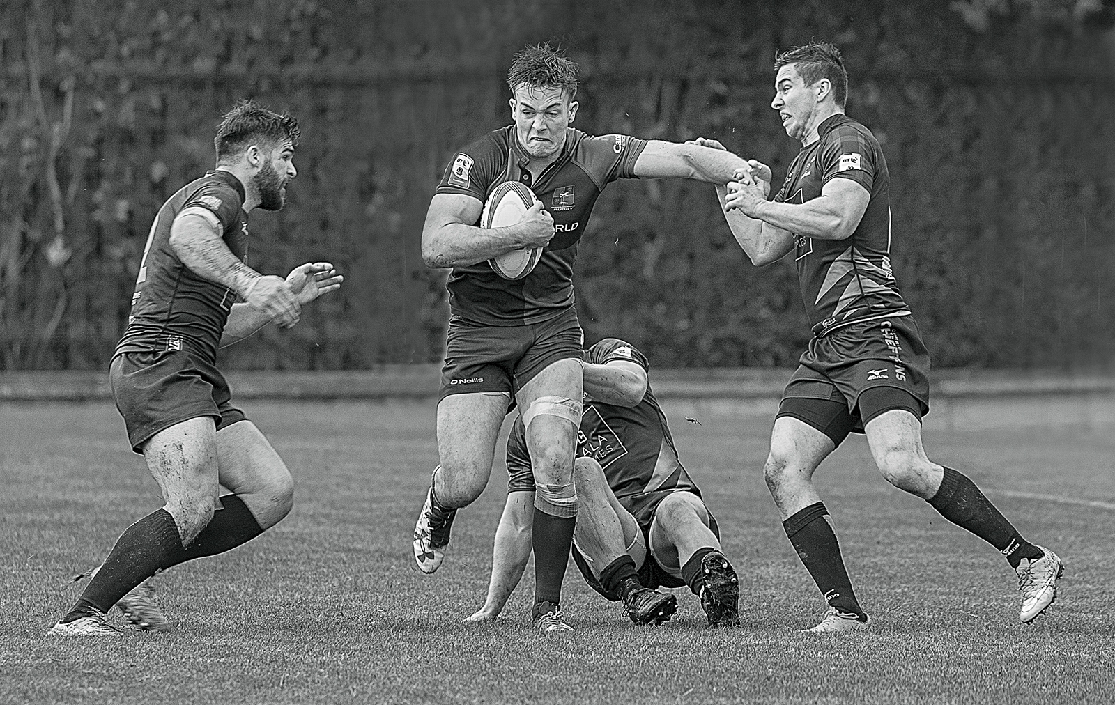 2ND ABOUT TO BE TACKLED BY JAMES ANDERSON DIV 2 MONO