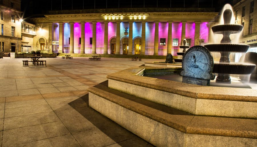 Colour - Div 2 - 2nd Place - Caird Hall & Fountain - Ken Peters