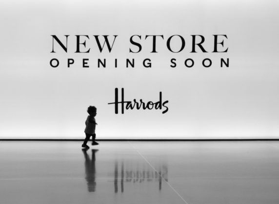 1ST HURRY ALONG TO HARRODS BY KENNETH PETERS DIV2 MONO