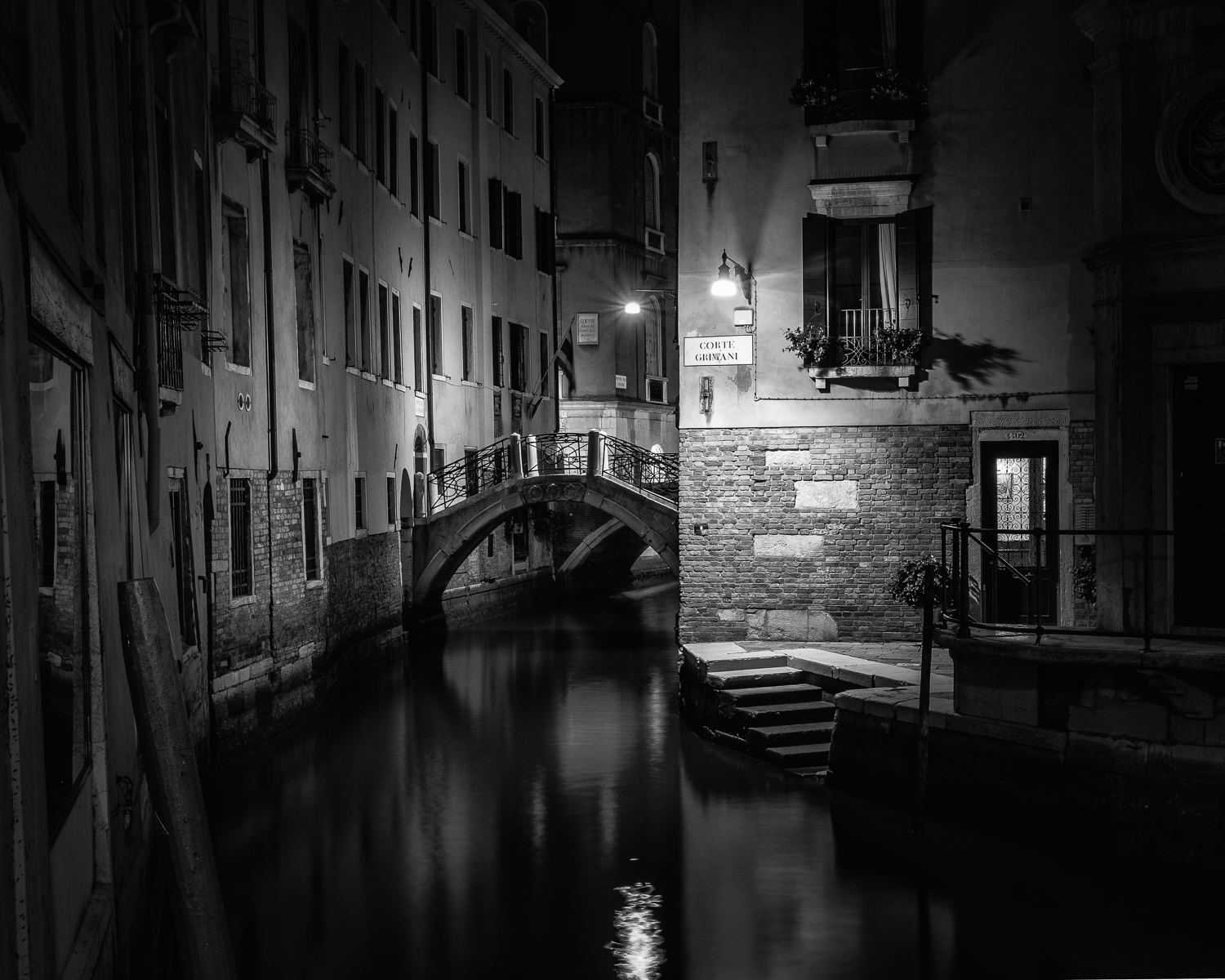 1ST THE CANAL AT NIGHT BY BRIAN CLARK DIV1 MONO