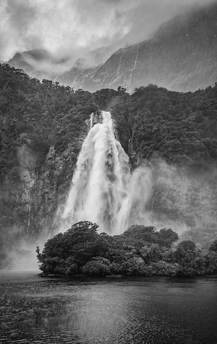 1ST MILFORD SOUND WATERFALL BY PATRICIA CAMPBELL DIV2 MONO
