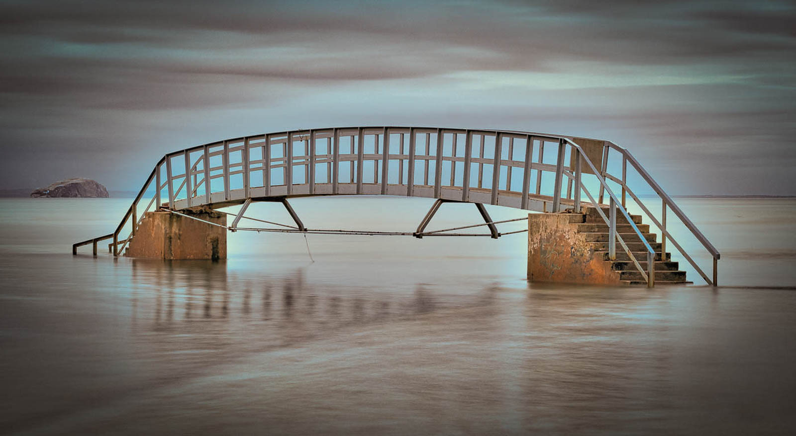 1ST BRIDGE TO NOWHERE BY IAN CRAIG DIV 2 COLOUR